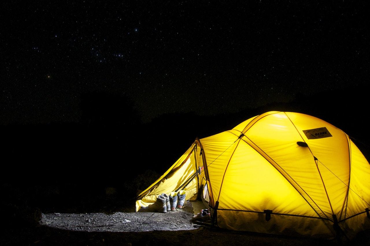 Bo i telt under festival
